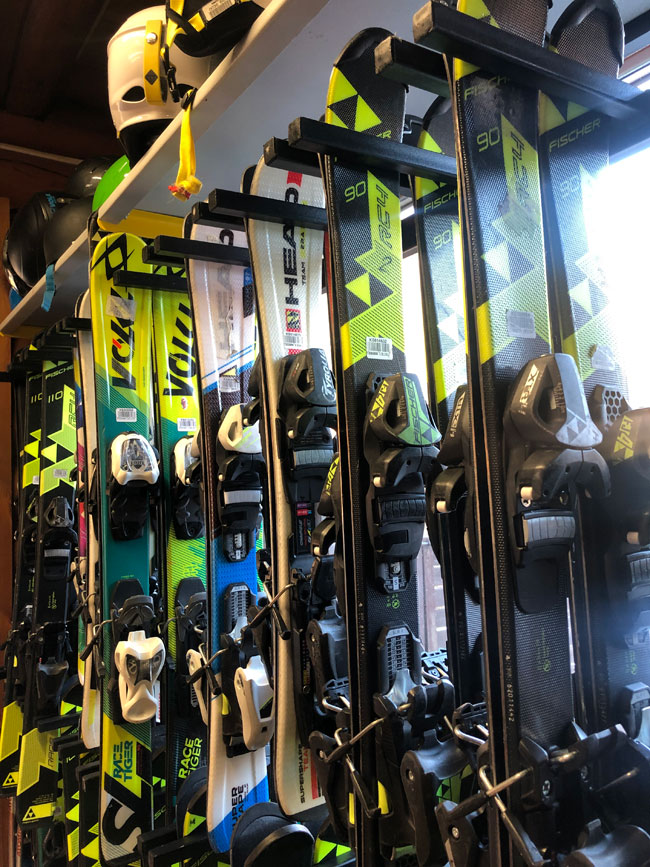 Nurseries skis